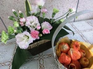 アレンジとホオズキ.JPG